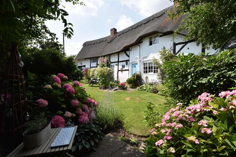 4 Bedrooms Cottage House for sale in Twychell Cottage, Loughborough Road, Shepshed, Loughborough
