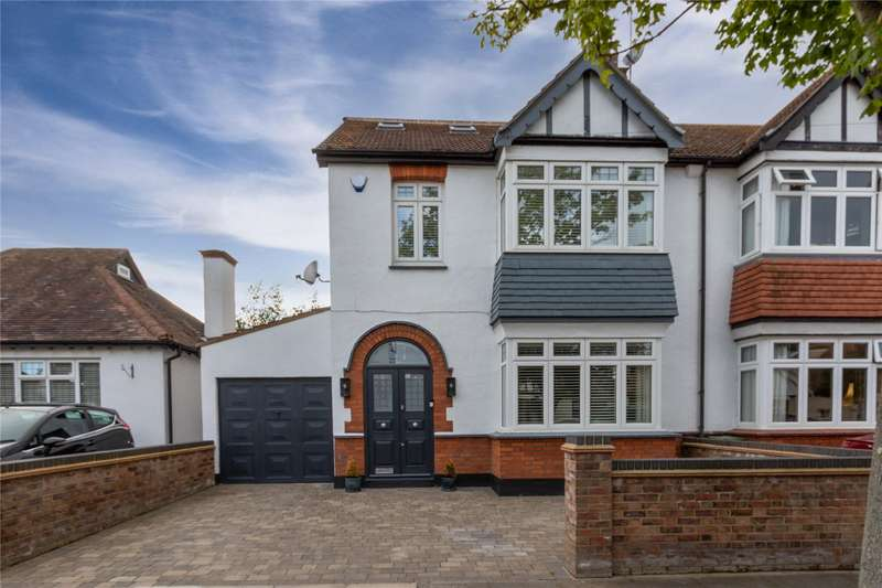 4 Bedrooms Semi Detached House for sale in Olivia Drive, Leigh-on-Sea, SS9