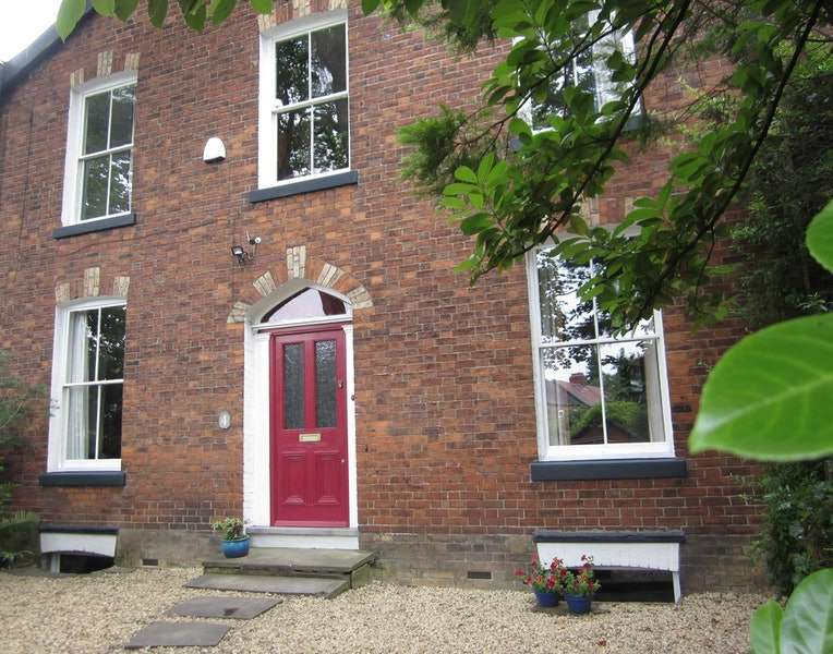 3 Bedrooms Terraced House for sale in Limefield Terrace, Manchester, Greater Manchester, M19
