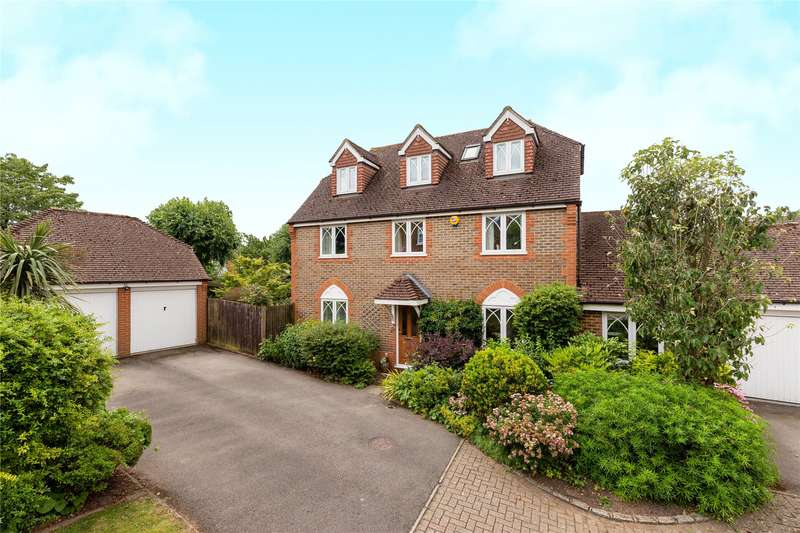5 Bedrooms Detached House for sale in Buttercup Close, Wokingham, Berkshire, RG40