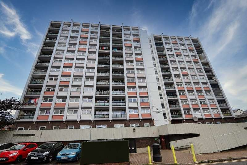 1 Bedroom Flat for sale in Coopersale Close, Woodford Green, IG8
