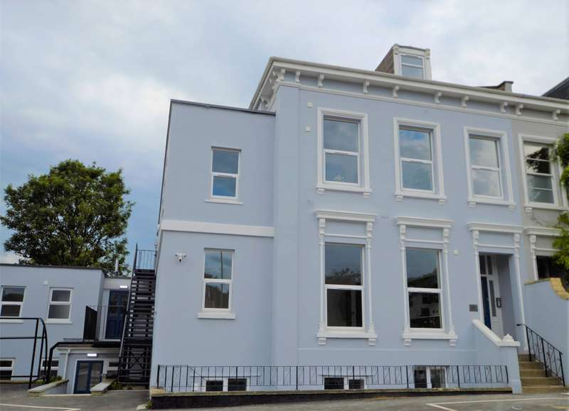 2 Bedrooms Flat for sale in Hales Road, Cheltenham, Gloucestershire, GL52