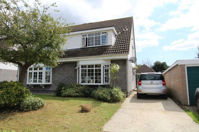 3 Bedrooms Semi Detached House for sale in Allandale, Thundersley