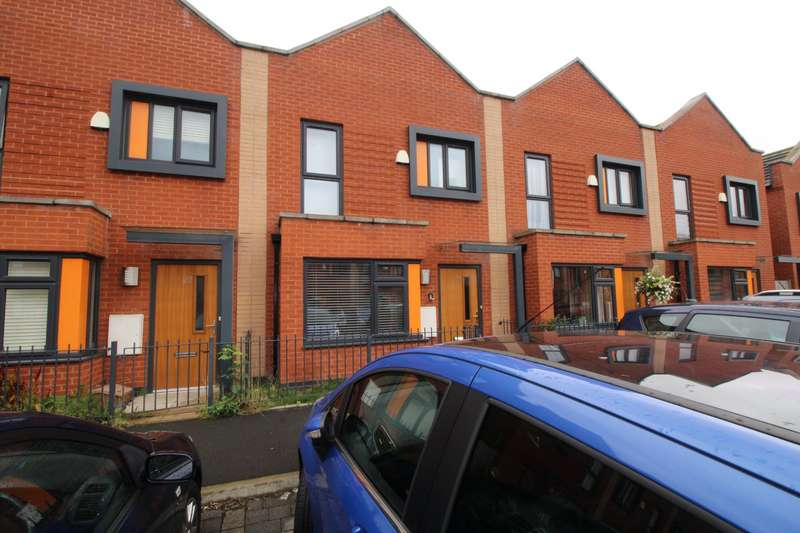3 Bedrooms House for sale in Florin Lane, Salford, M6