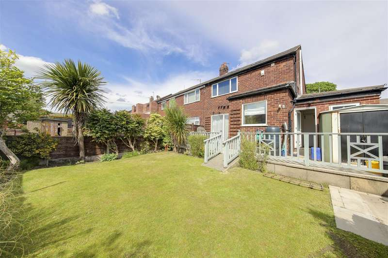 3 Bedrooms Semi Detached House for rent in Hastings Avenue, Whitefield, Manchester