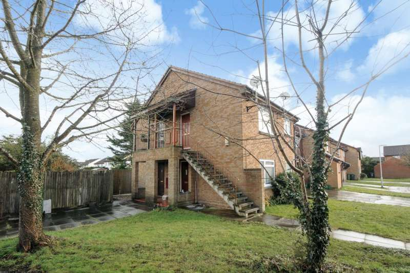 Flat for sale in The Moors, Thatcham, RG19