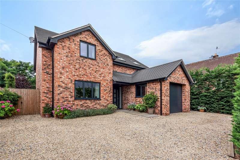 3 Bedrooms Property for sale in Greatfield Drive, Charlton Kings, Cheltenham GL53