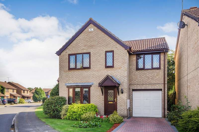 4 Bedrooms Detached House for sale in Adwell Drive, Lower Earley, Reading, RG6
