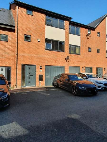 4 Bedrooms Town House for sale in Droylsden Wharf Road, Manchester, Greater Manchester, M43