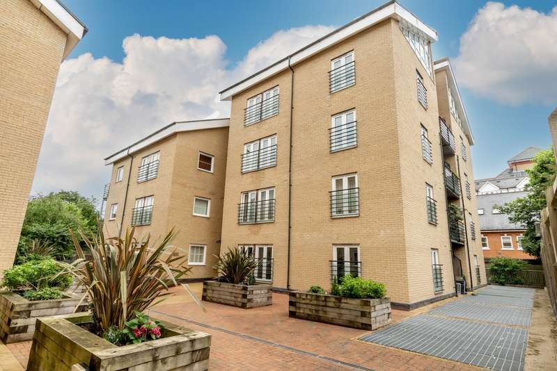 2 Bedrooms Apartment Flat for sale in Stansted
