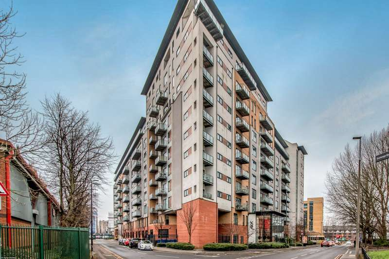 2 Bedrooms Apartment Flat for rent in XQ7 Building, Taylorson Street South, Salford, M5