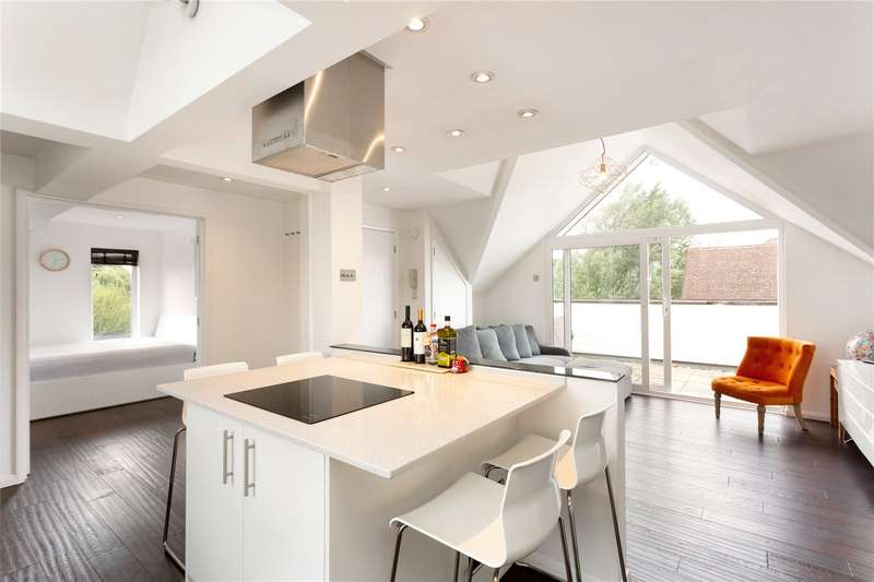 2 Bedrooms Flat for sale in Crete, 25 Ray Mill Road East, Maidenhead, Berkshire, SL6