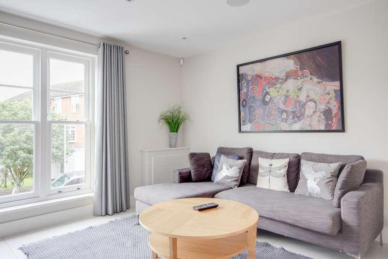 4 Bedrooms Property for sale in Windsor SL4