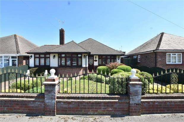 4 Bedrooms Detached Bungalow for sale in Boley Drive, Clacton-on-Sea