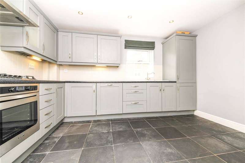 2 Bedrooms Flat for sale in Joseph Court, Kipling Close, Warley, Brentwood