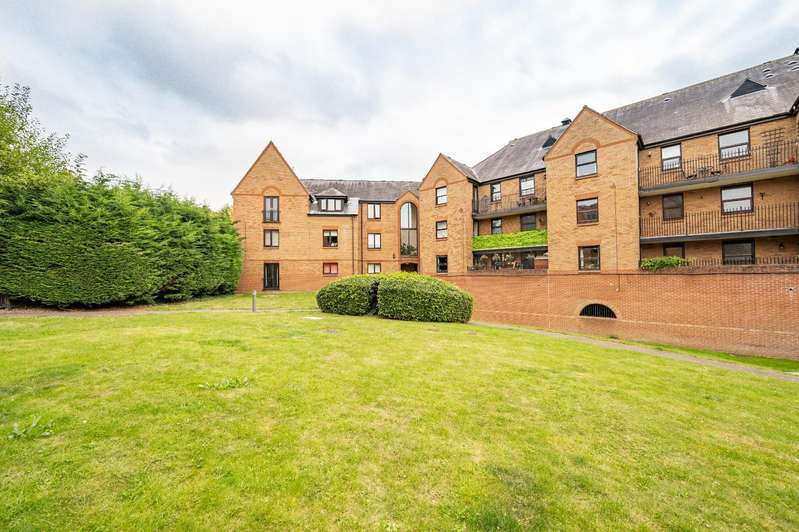 1 Bedroom Apartment Flat for sale in Chelmsford Road, Dunmow