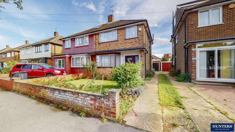 3 Bedrooms Semi Detached House for sale in Donald Drive, Chadwell Heath, RM6