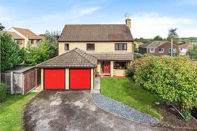 4 Bedrooms Detached House for sale in Sparrow Close, Wokingham, Berkshire, RG41 3HT