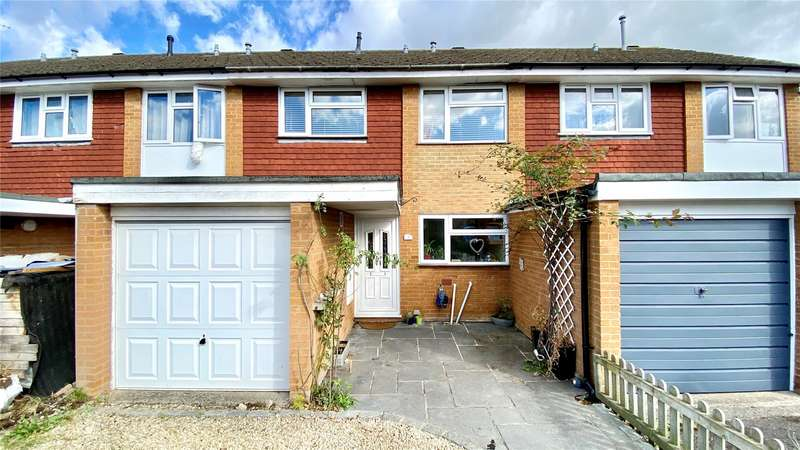 3 Bedrooms Terraced House for sale in Cleveland, Charvil, Reading, Berkshire, RG10