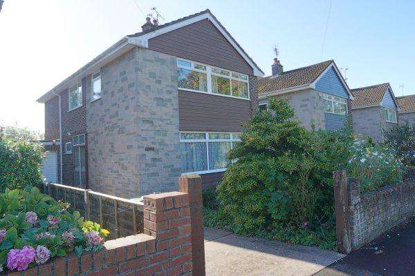 4 Bedrooms House for sale in Badminton Road, Downend, Bristol, BS16 6NS