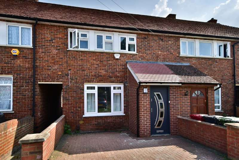 4 Bedrooms Terraced House for sale in Paget Road, Langley, SL3