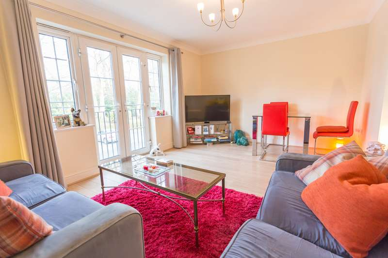 2 Bedrooms Apartment Flat for sale in SECURE APARTMENT. EASTCOTE PLACE, ASCOT, BERKSHIRE, SL5 8JD