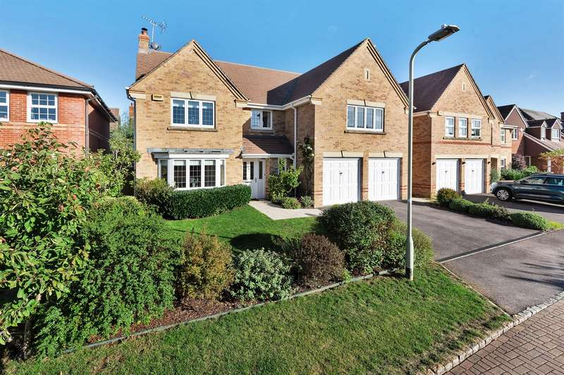 5 Bedrooms Detached House for sale in Holder Close, Shinfield, Reading, RG2