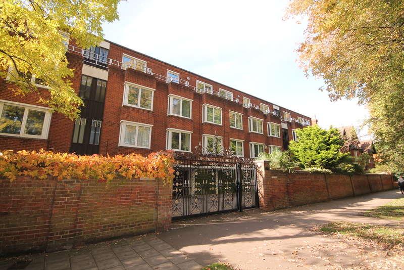 2 Bedrooms Apartment Flat for sale in DE PARYS AVENUE, BEDFORD, MK40