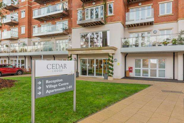 1 Bedroom Retirement Property for sale in Rise Road, Ascot