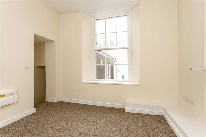 2 Bedrooms Flat for sale in Triangle South, Clifton, Bristol, BS8