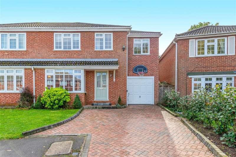 4 Bedrooms Semi Detached House for sale in Summerfield Close, Wokingham, Berkshire, RG41