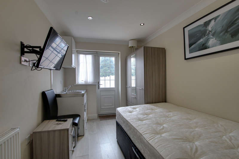 House Share for rent in Fencepiece Road