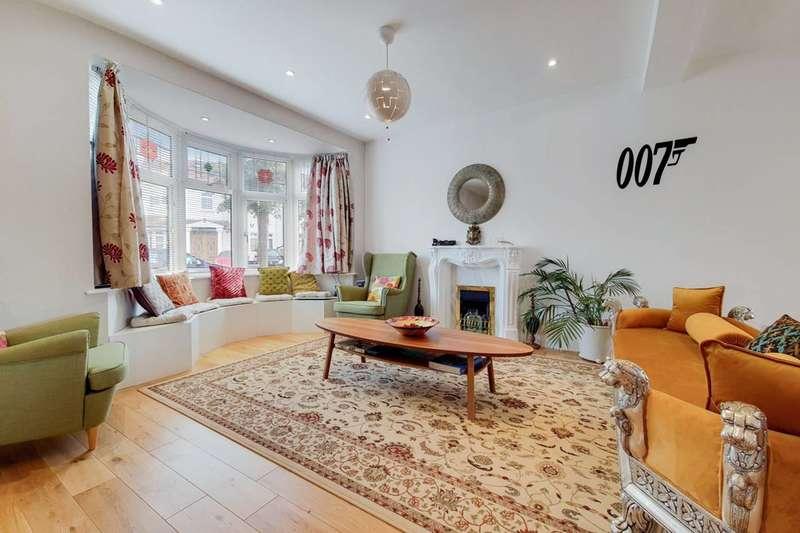 4 Bedrooms End Of Terrace House for sale in Windermere Gardens, Cranbrook, IG4