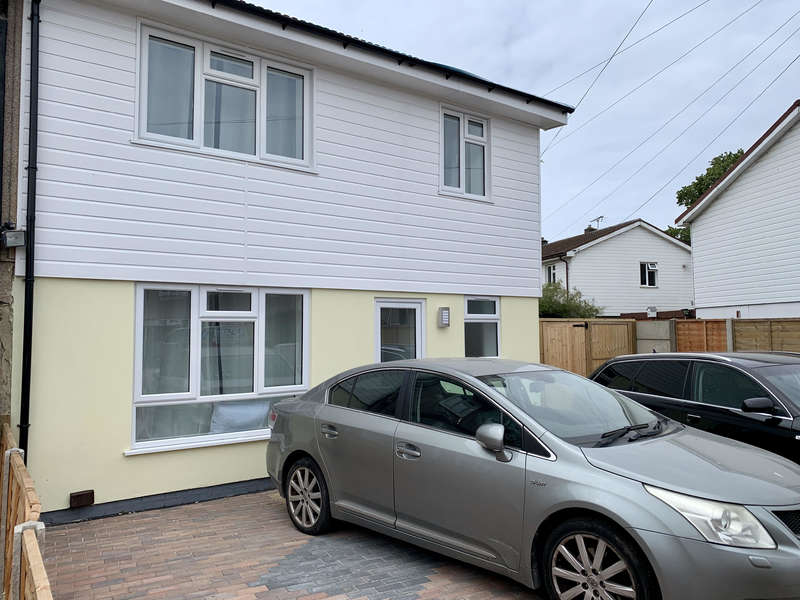 4 Bedrooms End Of Terrace House for sale in Rookery Crescent, Dagenham, Essex RM10