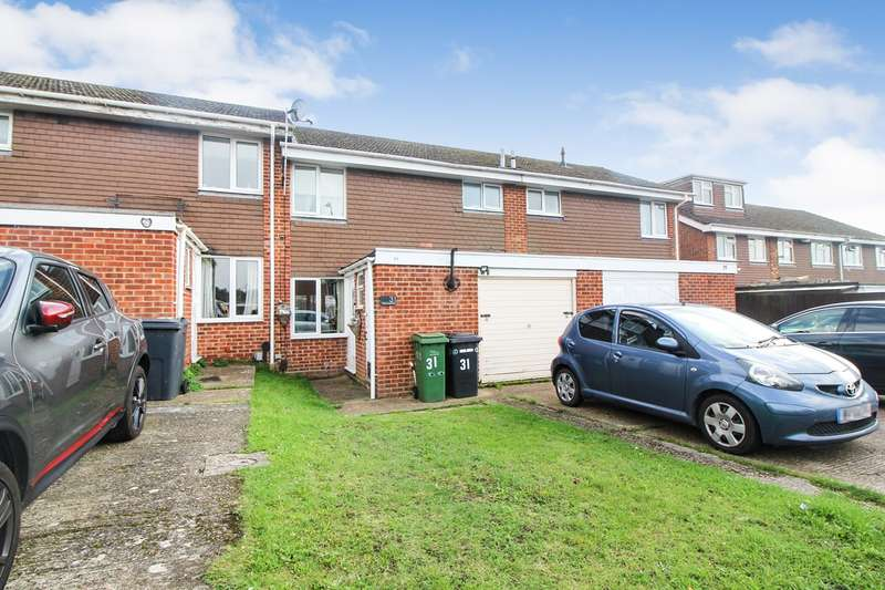 3 Bedrooms Terraced House for sale in Sharnwood Drive, Calcot, Reading, RG31