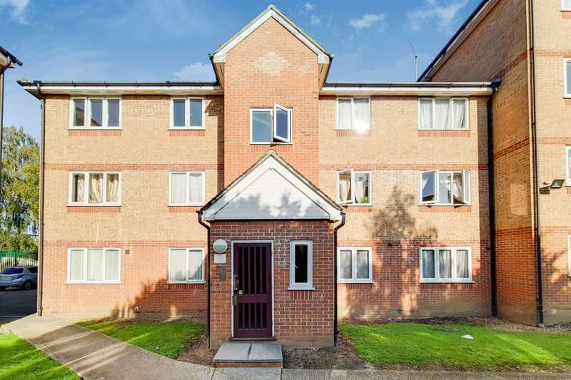 1 Bedroom Flat for sale in Express Drive, Goodmayes, IG3