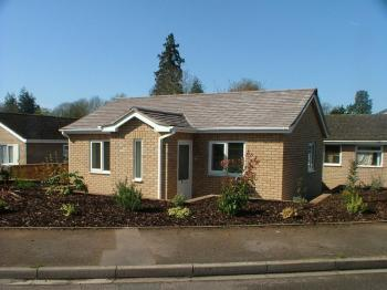 2 Bedrooms Detached Bungalow for sale in NEWENT, GLOUCESTERSHIRE