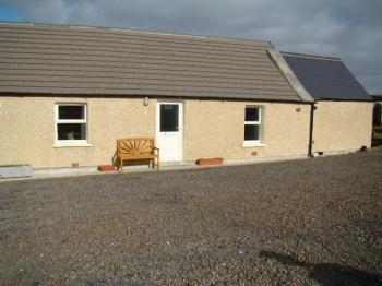 2 Bedrooms House for sale in 1 Mayfield Cottages, Weydale, Thurso, Caithness, KW14 8YN