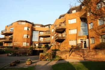 2 Bedrooms Flat for sale in Dennis Lane, Stanmore