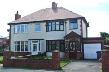 3 Bedrooms Semi Detached House for sale in Dunes Avenue, Blackpool, FY4 1PY