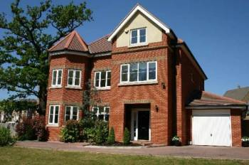 5 Bedrooms Detached House for sale in Chandos Court, Stanmore