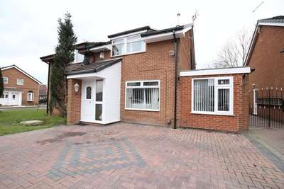 3 Bedrooms Semi Detached House for sale in Finch Lea Drive, Dovecot, Liverpool, L14