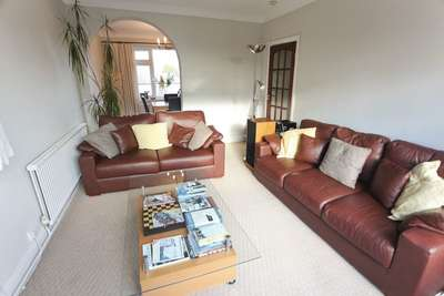 2 Bedrooms Flat for sale in Cromptons Court, L18 3EY