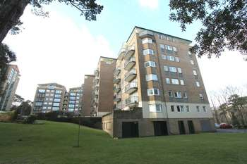 3 Bedrooms Flat for sale in Manor Road, Bournemouth