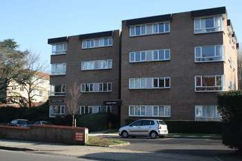 2 Bedrooms Flat for sale in Woodfield Road, Ealing W5