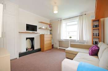 Flat for sale in Evans House, W12