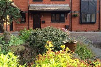 2 Bedrooms Flat for sale in Victoria Street, Lytham St Annes