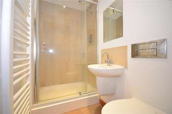 2 Bedrooms Apartment Flat for sale in Arundel Square, Maidstone, Kent