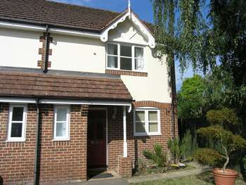 3 Bedrooms Semi Detached House for sale in Marlow. Three bedroom semi detached.