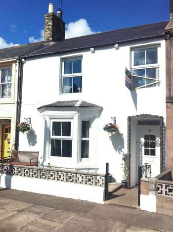 3 Bedrooms Terraced House for sale in West Street, Norham, Berwick-Upon-Tweed